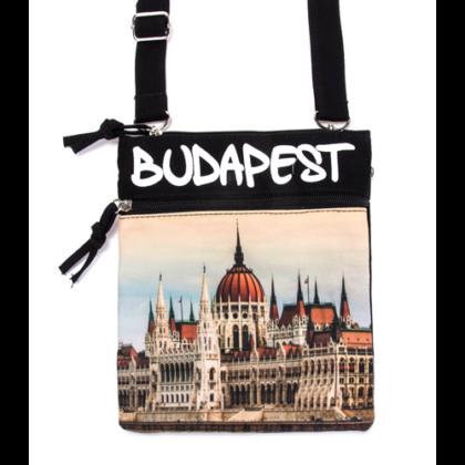 Útlevél táska Budapes feliratos és fényképes Benett-A