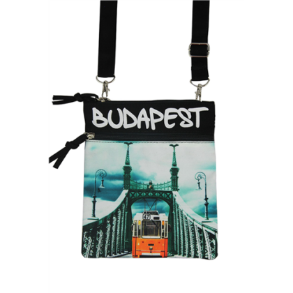 Útlevél táska Budapes feliratos és fényképes Benett-C